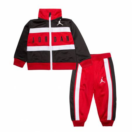 945 mientras tanto cirujano  Conjunto Jordan Baby Two-Piece Red para bebé | Basket World
