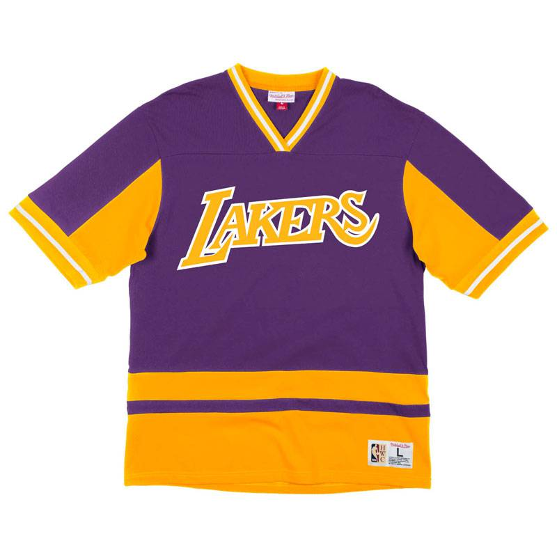 LOS ANGELES LAKERS FINAL SECONDS V-NECK TEE