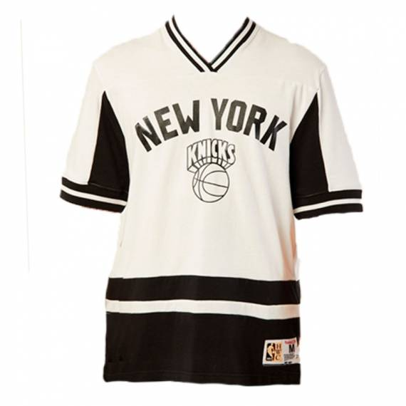 NEW YORK KNICKS FINAL SECONDS V-NECK TEE WHITE