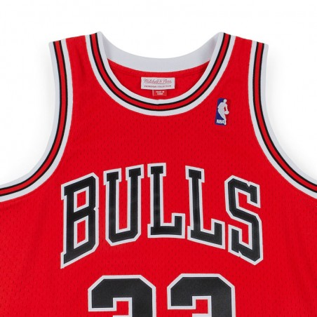 SCOTTIE PIPPEN CHICAGO BULLS RED HARDWOOD CLASSIC