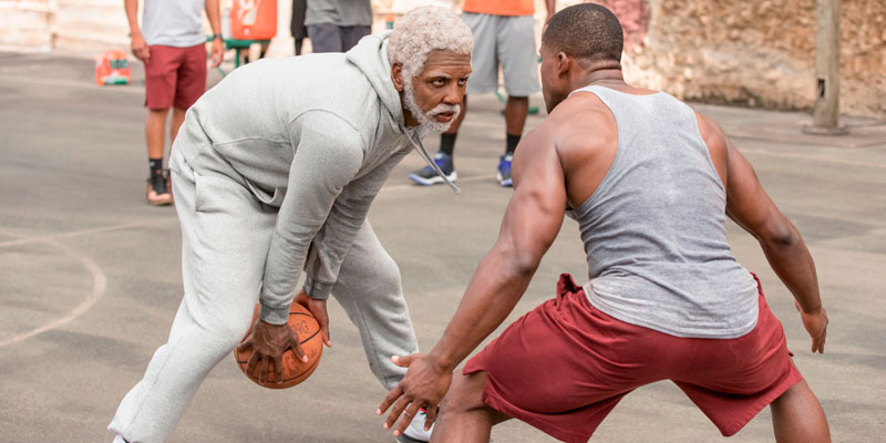 Kyrie Irving en Uncle Drew