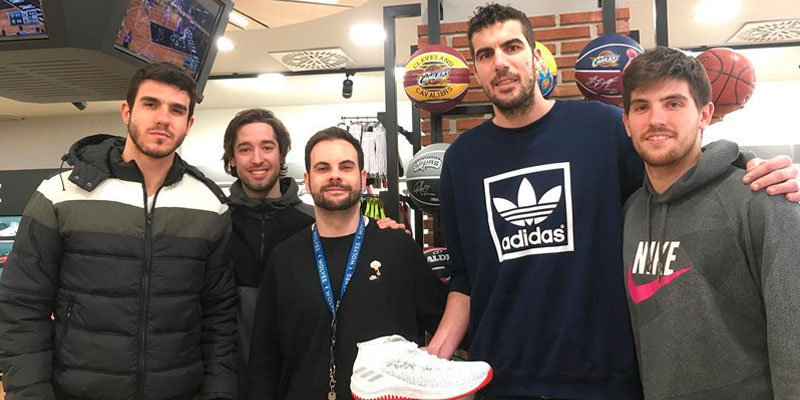 Visitas ilustres en Basket World 6