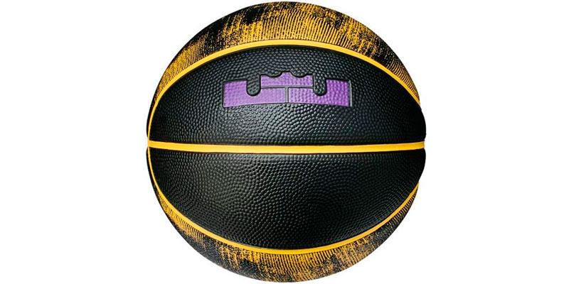 Mejores balones de baloncesto según el tipo de pista 10