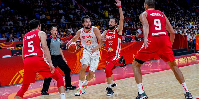 Zapatillas de los jugadores en el mundial de basket 3